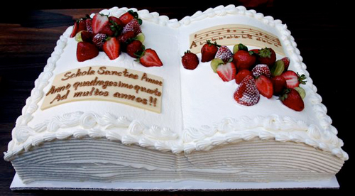 Pastor Appreciation Cake http://www.newliturgicalmovement.org/2007/10/anno-quadragesimo-quarto.html