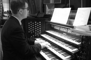 Organ Console Me
